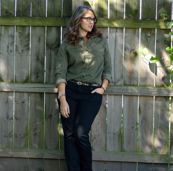 green shirt skinny jeans 4